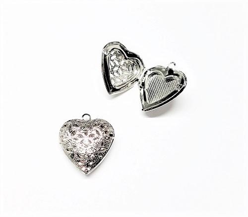 Pendentif coeur en métal 23 x 20mm