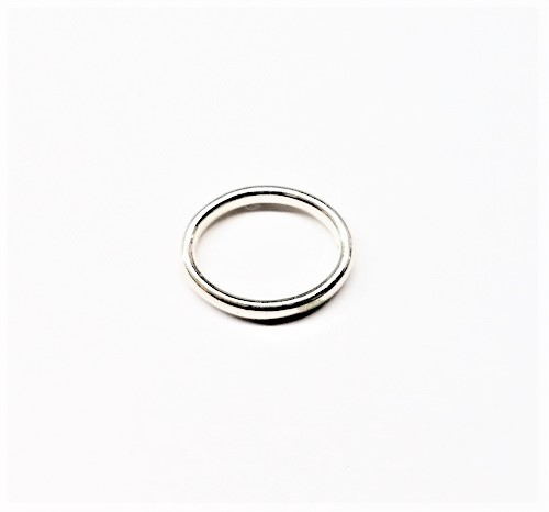 Oval en métal avec 2 trous 19 x 14mm