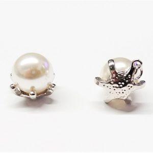 Pendentif perle de verre 12mm dans une étoile de mer en métal